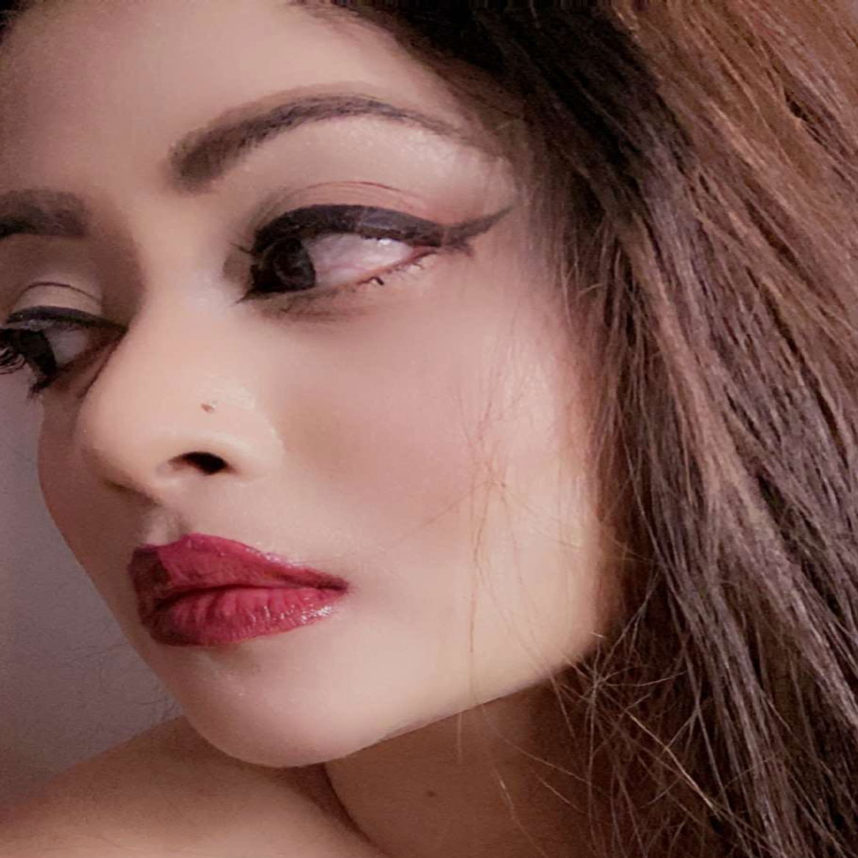 https://dfashionmagazine.com/Makeup by Sumaina