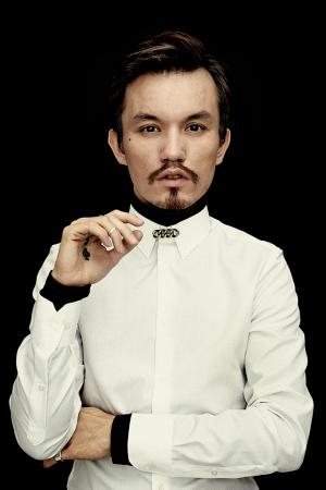 http://dfashionmagazine.com/Mark Kenly Domino Tan