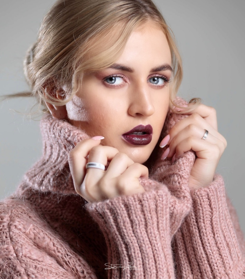 http://dfashionmagazine.com/Sanam Jeswani Makeup