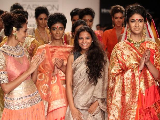 Vaishali Shadangule a girl from Madhya Pradesh reached the Paris couture week
