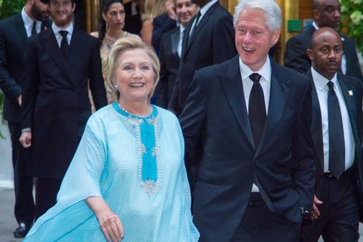 'Caftan Season' Hillary Clinton Promotes Traditional Moroccan Fashion